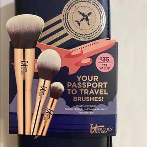 It Cosmetics travel brushes